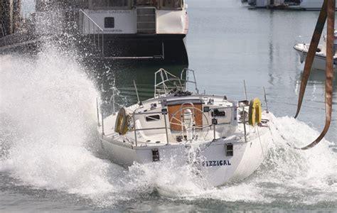 crash test boat crash test boat capsize