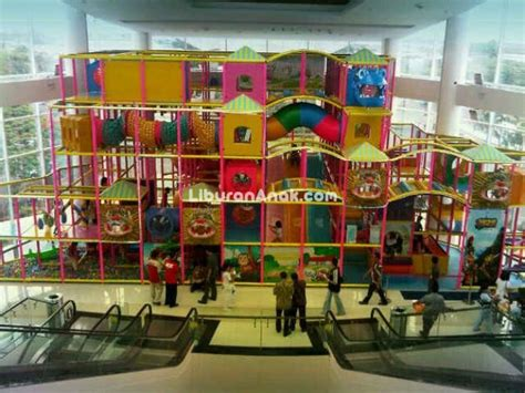 ace hardware living world the living world giant indoor playground kids holiday