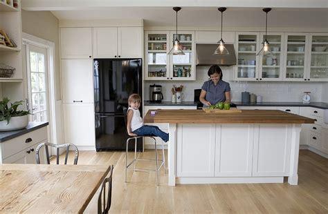 best 25 traditional kitchen island lighting ideas on top 25 best wood floor kitchen ideas on pinterest