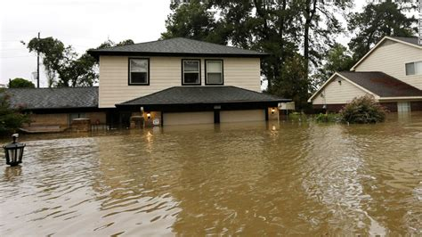 airbnb natural disaster airbnb extends harvey quot free housing quot program