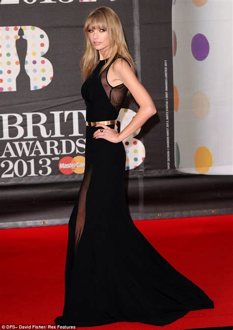 Code Alexya Dress Brown brits 2013 dazzles on the carpet in