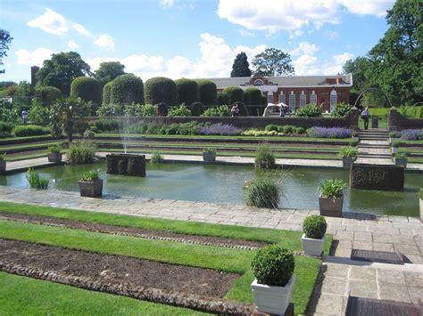 kensington gardens file kensington gardens jpg