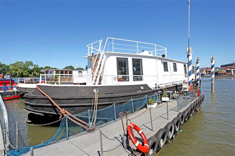 london house boat is this london s most expensive houseboat vessel on sale for 163 1 3m