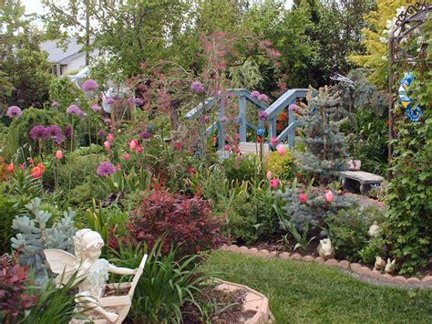 Garden Nymph Edible Landscaping And Gardens The Fruit Doctor