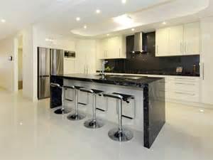 glossy tiles floor of modern home bar design idea using
