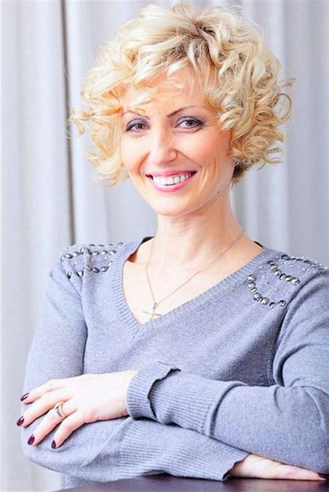 hairstyles for old curls short curly bob hairstyles for older women womens