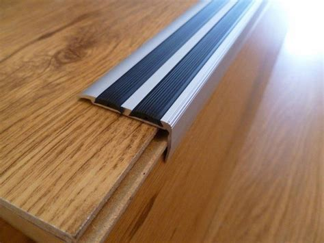 Stair nosing ideas ? how to choose a slip resistant edge