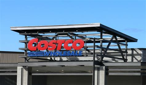 costco open new year s costco unveils new membership warehouse friday in redmond