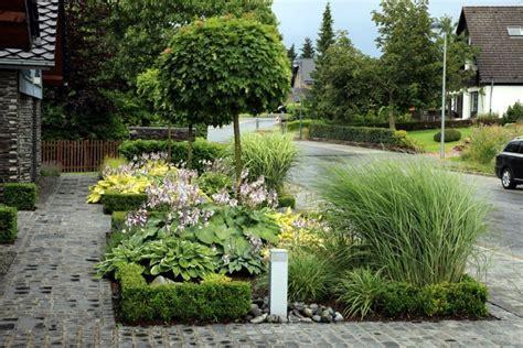 vorgarten gestalten reihenhaus vorgarten gestalten modern reihenhaus gartens max