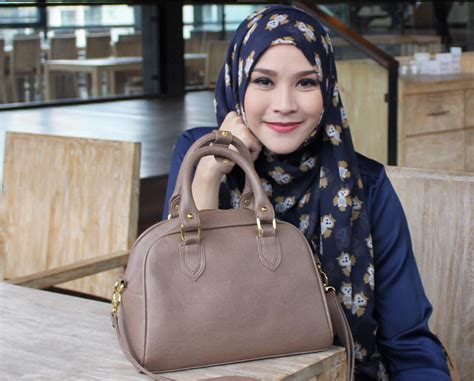 Lipstik Zaskia Adya Mecca update informasi berita terbaru 2016