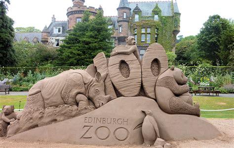 House Texture by Happy Birthday Edinburgh Zoo 171 The Bears In The Windows