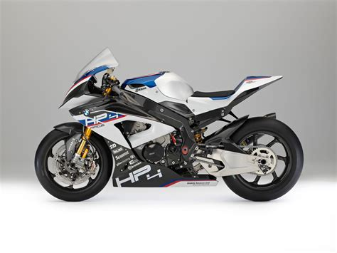 Bmw Motorrad S1000rr by 2018 Bmw Hp4 Race Review Totalmotorcycle