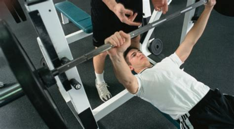 bench pressing for beginners how to tell you re not a weight training beginner anymore