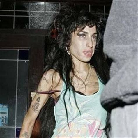 Winehouse Somehow Looks Better Not Done Up by Winehouse Before And After Erase Boredom For 1 Minute