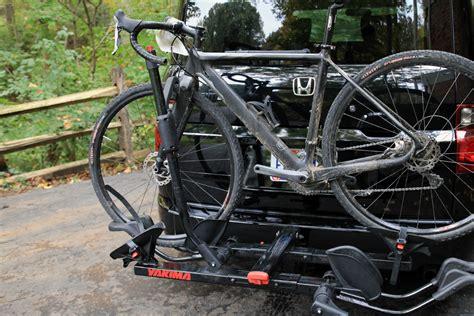 Yakima Holdup 2 Bike Hitch Rack by Review Back In Black Yakima S Holdup 2 Hitch Rack