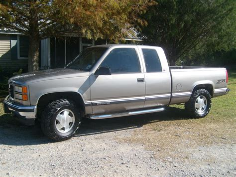 how can i learn about cars 1998 gmc suburban 2500 electronic throttle control tlavigne 1998 gmc sierra 1500 regular cab specs photos modification info at cardomain