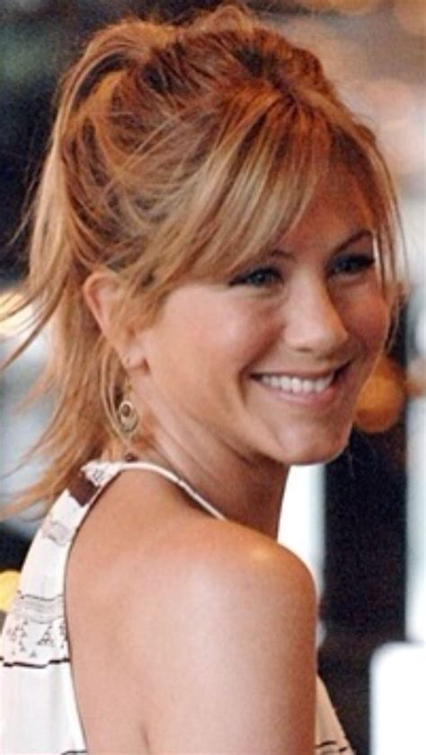 jennifer aniston triangle bangs hair medium bangs hair cut jennifer aniston hair