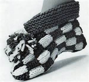 Aunt Lydia Rug Yarn Let S Play Checkers Cuff Slipper Pattern Knitting Patterns