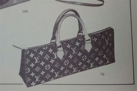 louis vuitton sac triangle triangle shaped bags