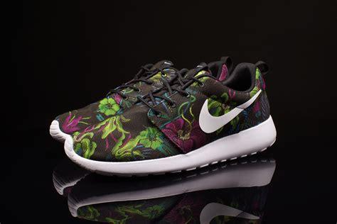 Nike Roshe Run Floral 2015 nike roshe run print floral