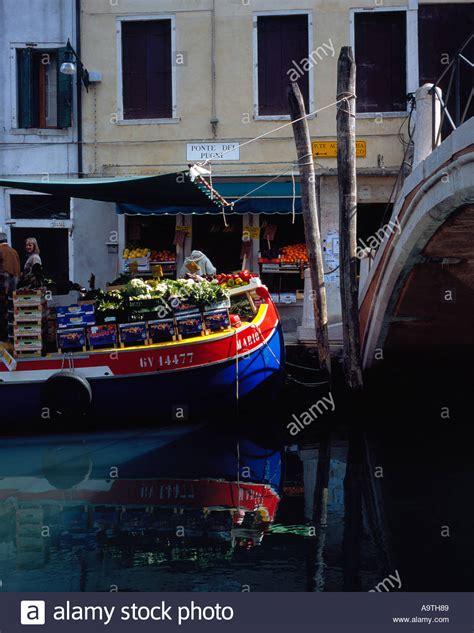 free boat selling sites boat sell selling shop vegetable fruit dorsoduro venice
