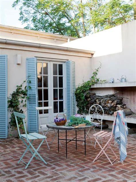 patio interior ladrillo una casa reciclada en san antonio de areco piso de