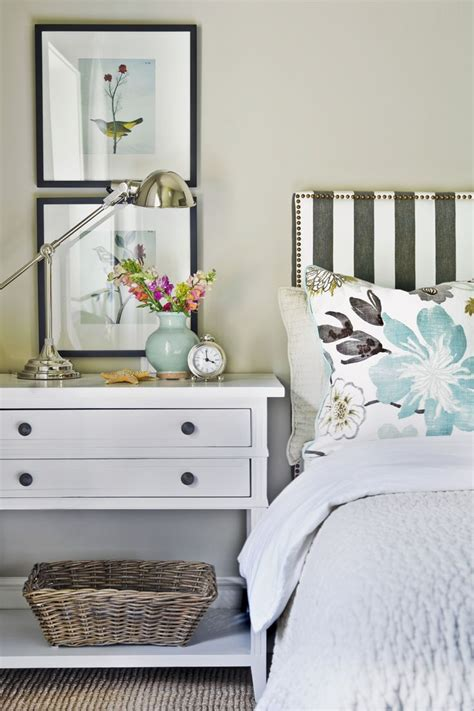 bedroom nightstand ideas 25 best ideas about bedside table decor on apartment bedroom decor white bedroom