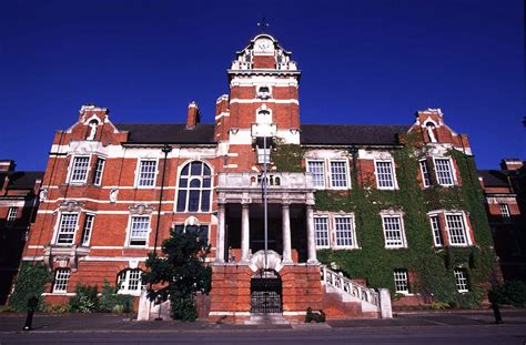Greenwich Ac Uk Mba by Greenwich Portraits At Medway Alumni Of