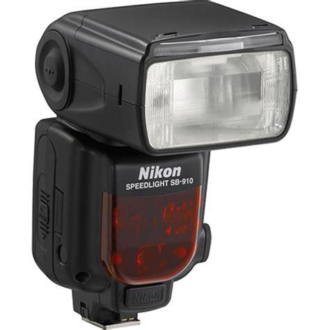 tutorial flash nikon sb 700 comparing nikon speedlights the sb 700 vs the sb 910