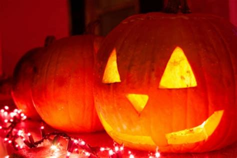 why pumpkins on why do carve pumpkins howstuffworks