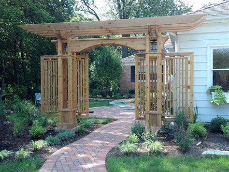 Front Door Arbor by New Arbor Shows The Way To The Front Door Design Green