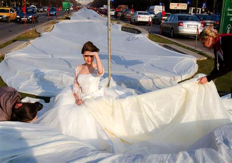 new york wedding records wedding gown breaks world record ny daily news