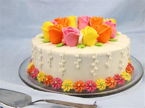 torte fiori pasta di zucchero ricetta torta primaverile con in pasta di zucchero