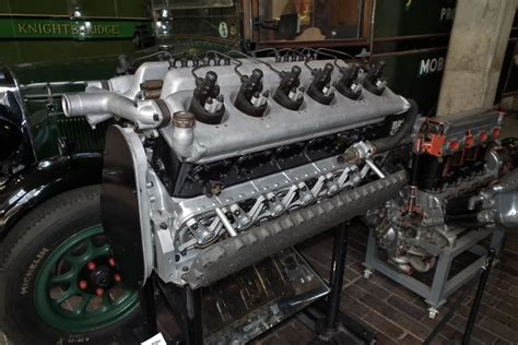 rolls royce engine rolls royce car engine www pixshark com images