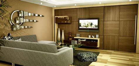 tv porta a porta detalhe a porta do corredor se camufla painel da tv