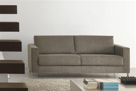 attraente Piedini Mobili Ikea #1: divano-piedini-alti-james-milano-bedding-00_3_.jpg