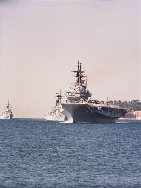 portaerei italiane garibaldi festa della marina militare italiana golfo di napoli