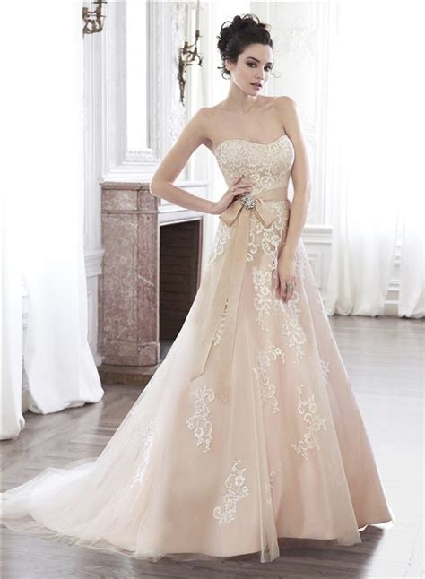 wedding dress with color a line strapless chagne color lace applique wedding