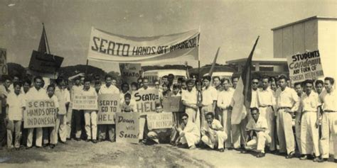 Hubungan Keuangan Antara Pemerintah Pusat Ahmad Yani ketika orang orang minang sempat takut memakai nama asli