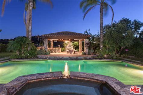 casa di selena gomez selena gomez offers los angeles mansion for 4 5
