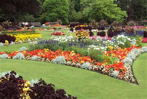 Shade Loving Flowering Shrubs - flower garden bed ideas 2016 photos gardening design