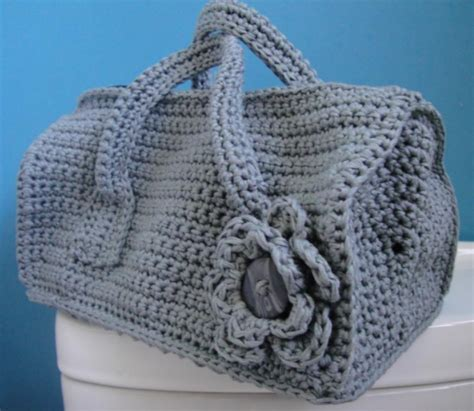 crochet overnight bag pattern duffel purse crochet bag pattern allfreecrochet com
