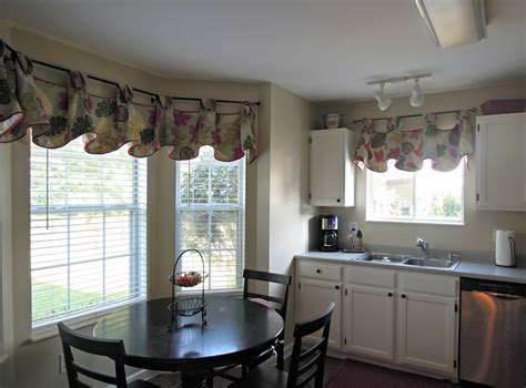 Curtains For Big Kitchen Windows Modern Kitchen Curtains For Bay Window With Table And Chairs Kitchen Dickorleans