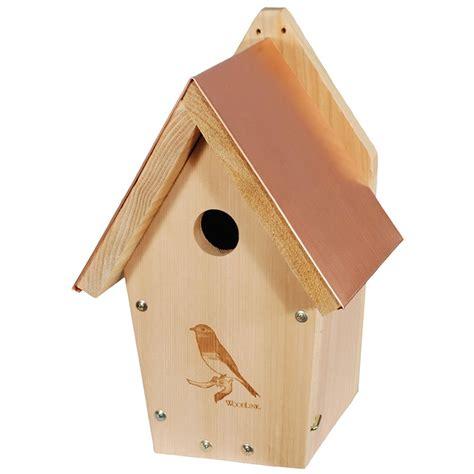 bluebird house duncraft com traditional cedar bluebird house