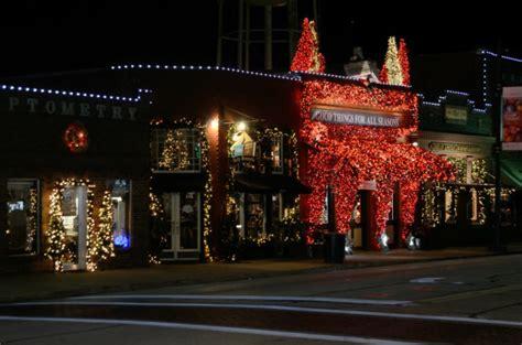 festive christmas town  texas grapevine