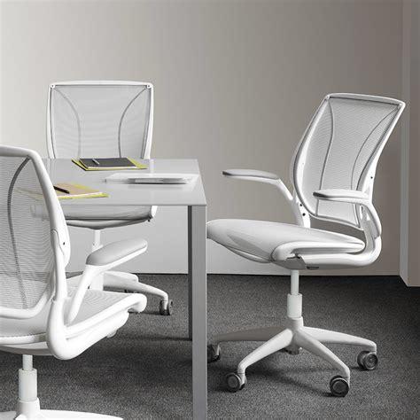 adosados en silla mesh desk chair diffrient world ergonomic chair humanscale