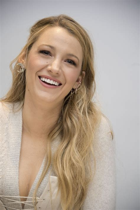 blake lively headshots      press conference