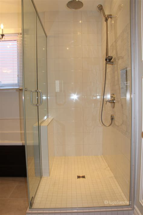 Raised shower base   Céramiques Hugo Sanchez Inc