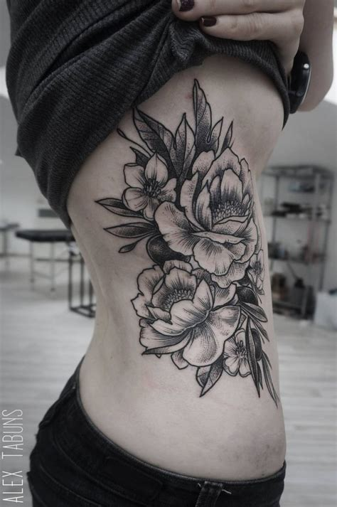 side flower tattoos best 25 black flower tattoos ideas on henna