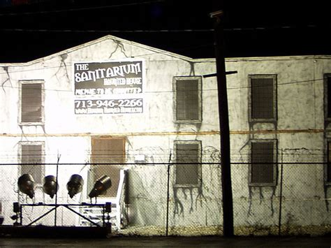 haunted houses in houston enter the sanitarium houston scream fest